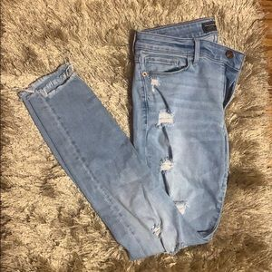 abercrombie & fitch light wash denim ripped jeans